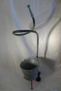 Materiales hierro de fontaneria, lona mango de madera100% reciclado